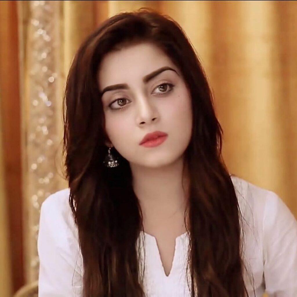 Saboor aly beautiful Pakistani actress photos latest new